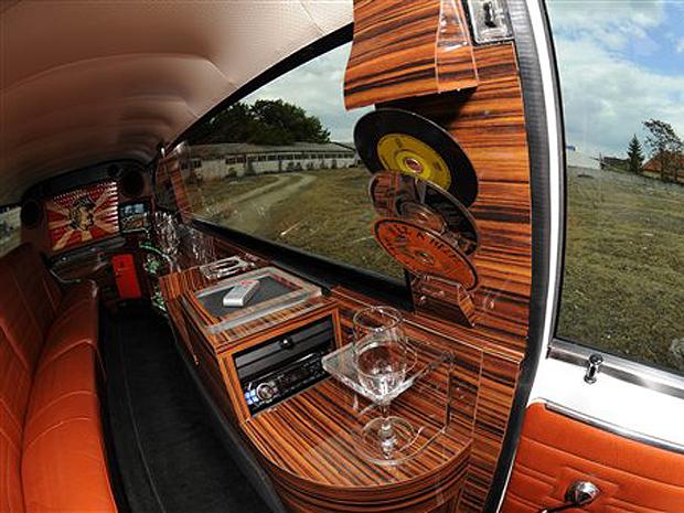 lada limousine (Foto: Barnabas Honeczy/AP)