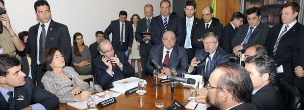 Líderes partidários discutem a votação do Código Florestal no gabinete do presidente da Câmara, Marco Maia (PT-RS) (Foto: Agência Câmara)