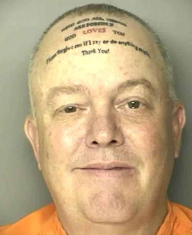 Robert Norton Kennedy chamou atenção pela tatuagem curiosa. (Foto: Divulgação)