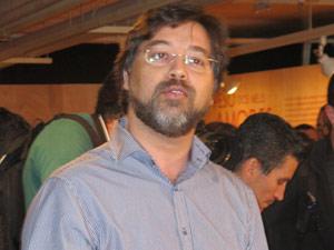 Eduardo Saron, diretor do Itaú Cultural, disse que quase apanhou a mulher em casa (Foto: Glauco Araújo/G1)