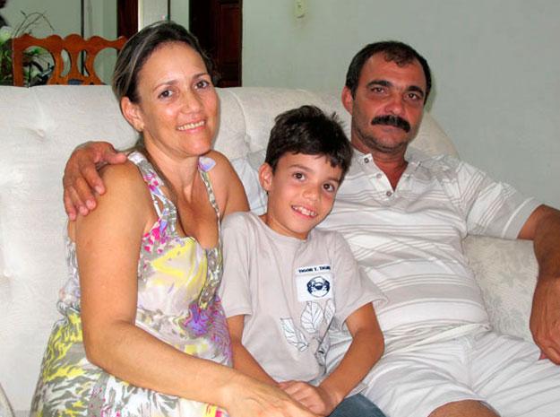 Família cuja mãe recebeu milagre de Irmã Dulce (Foto: G1 BA)