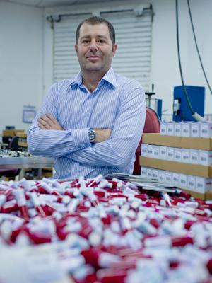 Vidrinhos de 6 ml foram estratégia de Vincenzo Barella para ganhar mercado (Foto: Daigo Oliva/G1)