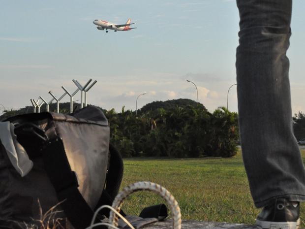 Spotters tem até Kit especial para passar horas tirando fotos de avião (Foto: Fabiano Correia/ G1)