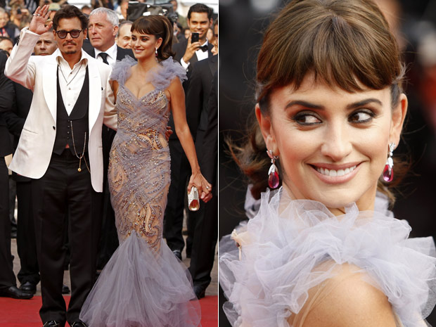 Penélope Cruz usou um segundo vestido para a exibição de 'Piratas do Caribe - navegando em águas misteriosas' em Cannes, neste sábado (14). (Foto: AP)