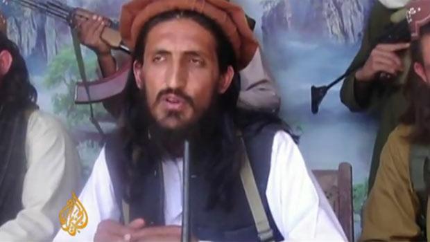 O militante Umar Khalid  no vídeo divulgado nesta quarta-feira (18) pela TV Al Jazeera (Foto: Reprodução de vídeo)