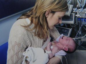 Bebê coração veias 2 (Foto: Caters / via BBC)