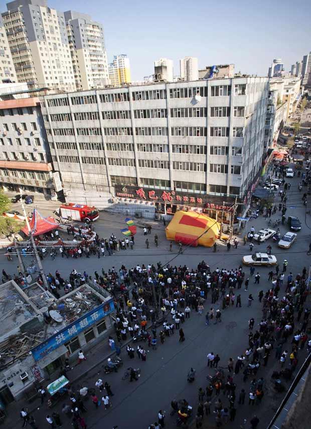 noiva china multidão (Foto: China Daily / Reuters)