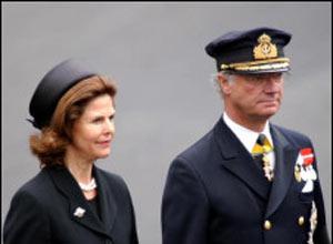A rainha Silvia e o rei Gustav (Foto: BBC)
