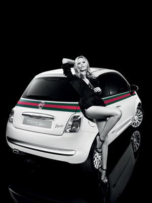 Natalya Poly estrela a campanha publicitária do 500 By Gucci (Foto: Divulgação)