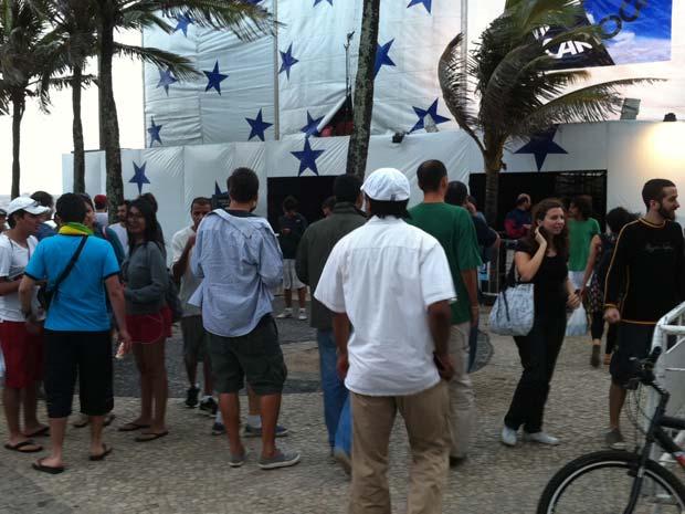 Público chega para o Viradão Carioca no Arpoador (Foto: Patrícia Kappen/G1)