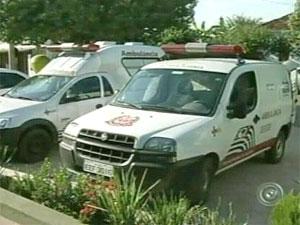 Paciente caiu de ambulância em movimento (Foto: Reprodução/TV Tem)