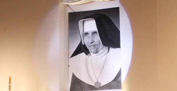 Irmã Dulce foi beatificada na tarde deste domingo (22), em Salvador (Foto: Edgar de Souza/G1)
