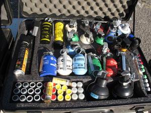 kit de armas não-letais (Foto: Aluizio Freire/G1)