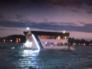 Barco 'Imagination' cerca de duas horas antes do acidente (Foto: Reprodução/TV Globo)