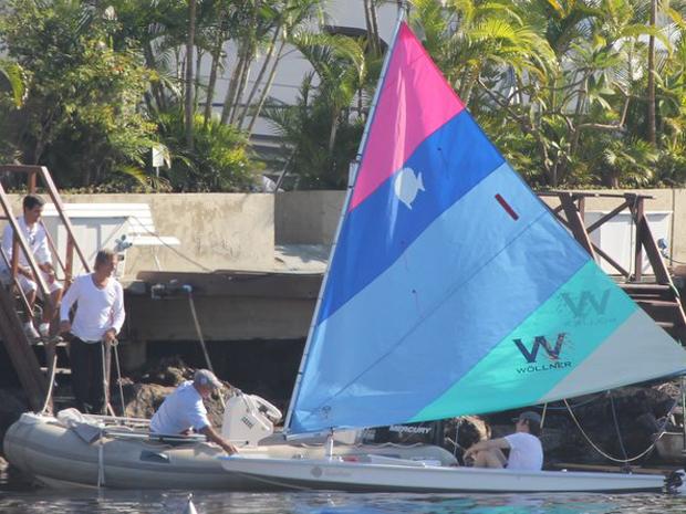 Paul McCartney veleja na Baía da Guanabara, no Rio de Janeiro  nesta segunda-feira (23) (Foto: Dilson Silva/AgNews)