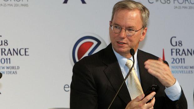 Eric Schmidt, executivo do Google, participa do e-G8 em Paris (Foto: Bob Edme/AP)