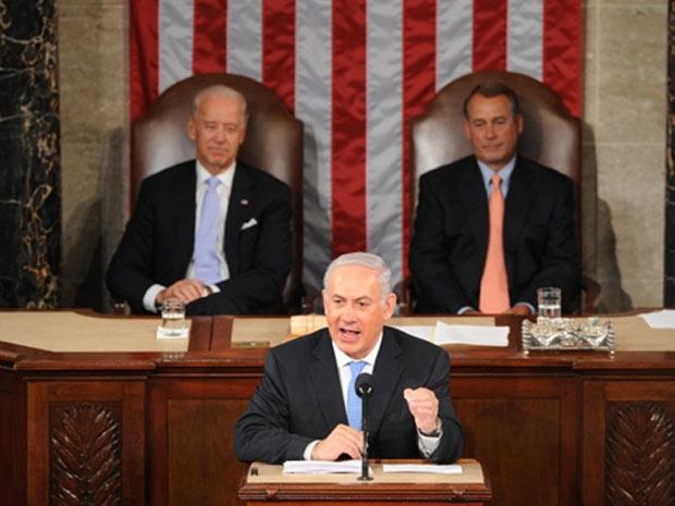 O premiê de Israel, Benjamin Netanyahu, discursa nesta terça-feira (24) diante do Congresso dos EUA (Foto: AFP)