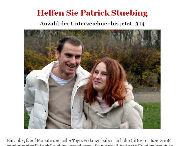 Patrick Stübing e Susan Karolewski mantêm relação amorosa.  (Foto: Reprodução/Site oficial)