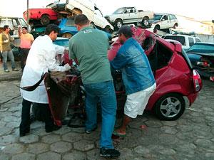 Acidente mata quatro pessoas em Itamaraju (Foto: Lênio Cidreira/G1)