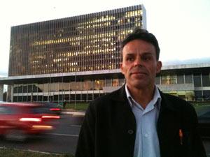 Denivaldo Alves do Nascimento, secretário-geral do Sindicato dos Auxiliares de Administração Escolar do DF. (Foto: Marcelo Parreira / G1)