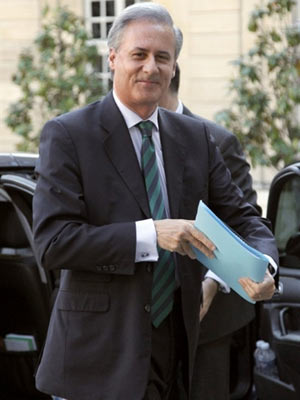 O vice-ministro Georges Tron em foto de 5 de maio (Foto: Patrick Kovarik / AFP)