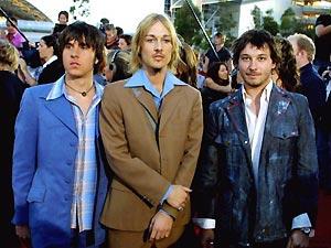 O grupo Silverchair durante uma premiação na Austrália, em 2002 (Foto: AFP)