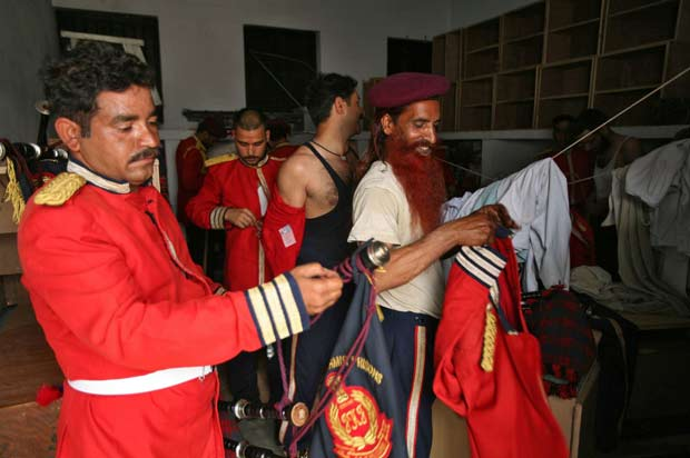 Objetivo é desenvolver as relações dos prisioneiros com o mundo exterior. (Foto: Mukesh Gupta/Reuters)