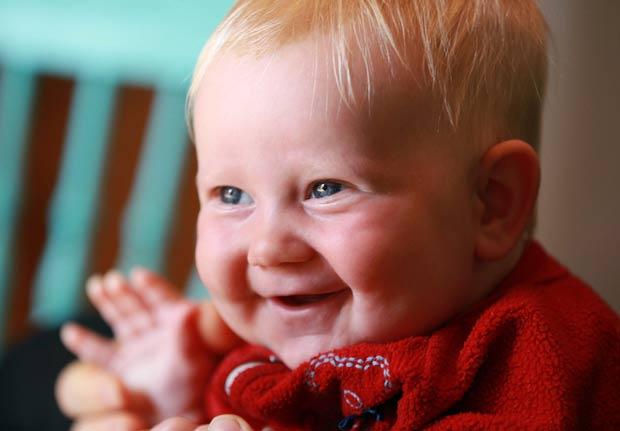 Bebê que ganhou o nome de 'Storm' (Tempestade). (Foto: Steve Russell/Toronto Star/AP)