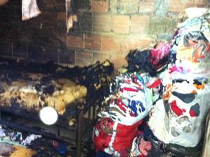 Quarto das crianças queimadas (Foto: Thamine Leta/G1)
