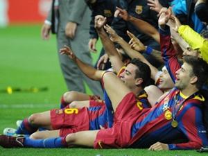 Gérard Piqué, o namorado de Shakira, comemora vitória do Barcelona na Liga dos Campeões neste sábado (28). (Foto: AFP)