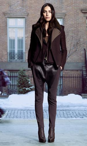 Lea T em imagem da campanha de inverno da grife Givenchy. Modelo é uma das preferidas do estilista da marca, Riccardo Tisci.  (Foto: Divulgação)