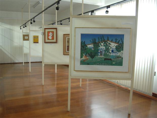 Vista da sala Affonso Celso de Ouro Preto, onde estão expostos os quadros do acervo modernista do museu  (Foto: Duda Pinto/G1)