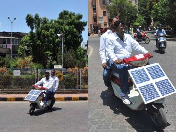 scooter índia energia solar (Foto: Sajjad Hussain/AFP)