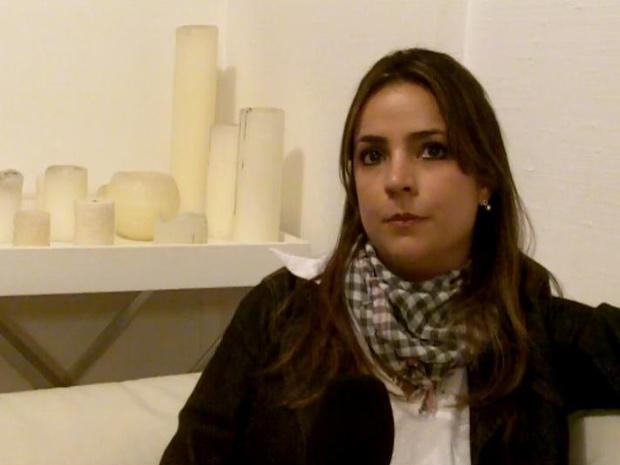 A jornalista Renata Mondelo Mendonça, cujo marido morreu no acidente com o voo 447 da Air France (Foto: Reprodução / BBC)