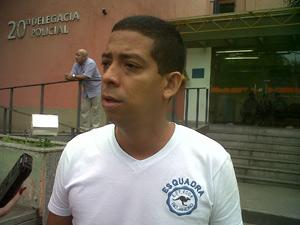 Pai do menino morto em hospital do Rio (Foto: Carolina Lauriano/G1)