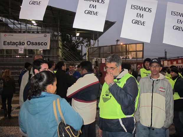 greve osasco (Foto: Letícia Macedo/G1)