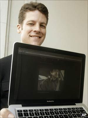 O designer de programas de interatividade Joshua Kaufman (Foto: AP)