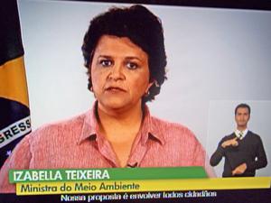 Ministra Izabella Teixeira faz pronunciamento pelo Dia Mundial do Meio Ambiente (Foto: Reprodução / TV Globo)