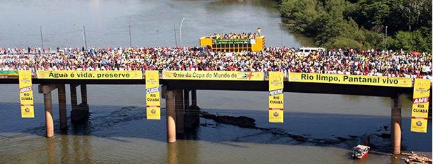 Abraço simbólico ao Rio Cuiabá (Foto: Jupirany Devillart/Secom-AL)