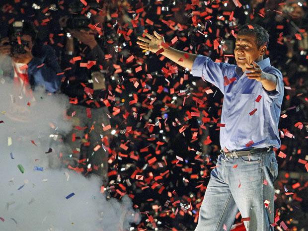 O candidato Ollanta Humala faz discurso de vencedor em Lima. (Foto: Mariana Bazo / Reuters)