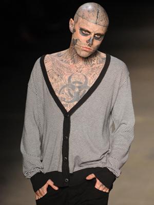 'Zombie Boy' desfila na Ausländer  e quer férias no Rio de Janeiro (Raul Zito/G1)
