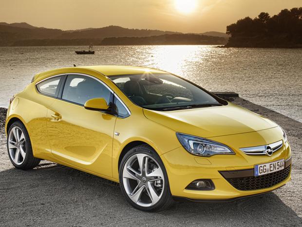 Opel Astra GTC tem medidas maiores em relação à versão cinco portas (Foto: Divulgação)
