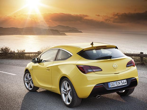 Opel Astra GTC já pode ser encomendado na Europa (Foto: Divulgação)