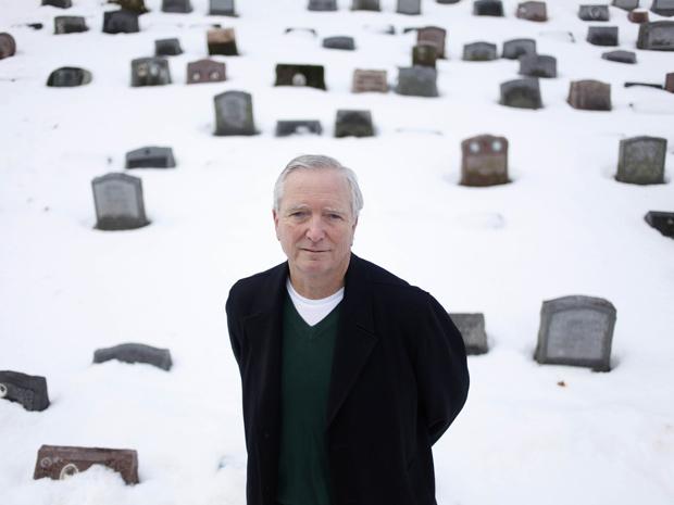 O diretor do Cemitério de Animais Hartsdale , Ed Martin Jr. (Foto: AP)