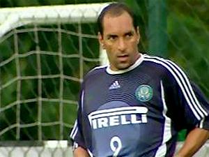 Justiça mandou prender o ex-jogador Edmundo (foto) (Foto: Reprodução / TV Globo)