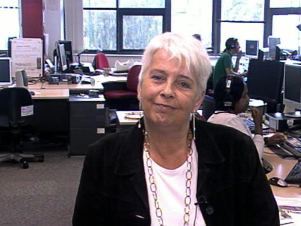 Eva Ottosson, de 56 anos, que se prepara para doar para filha sem órgãos reprodutivos  (Foto: BBC)