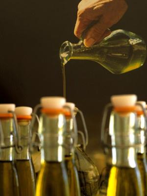 Azeite de oliva reduz em até 41% risco de derrame. (Foto: Jose Nicolas / AFP Photo)