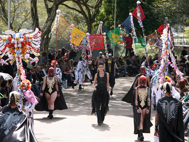 Cavalera desfila na SPFW Verão 2012 (Foto: Daigo Oliva/G1)