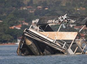 Delegado acredita que 'desleixo' pode ter causado naufrágio no lago (Foto: Marcello Casal Jr/ABr)