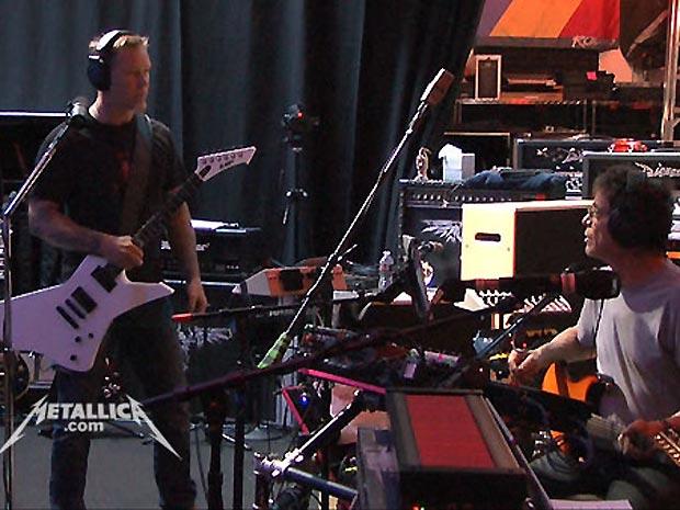 Metallica e Lou Reed em estúdio (Foto: Reprodução/Metallica.com)